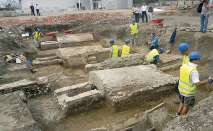 Beneton čeka arheologe
