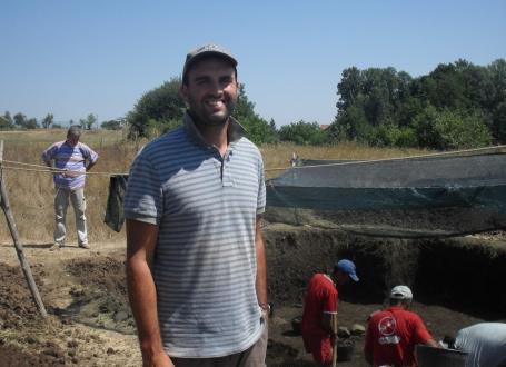 Arheolog Ben Roberts u Pločniku