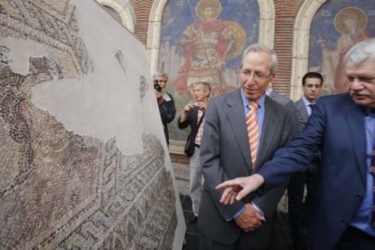 Američki ambasador otvorio restaurirane mozaike u carskoj palati u Sirmiumu