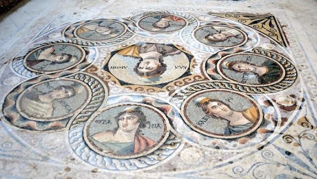 Pronađeni mozak sadrži motive iz grčke i rimske mitologije