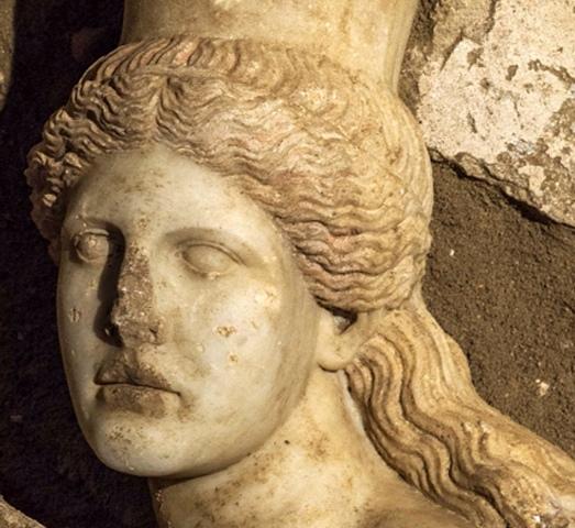 Jedna od skulptura pronađena u grobnici