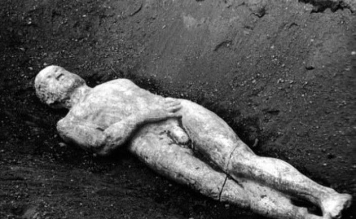 Arheološka misterija olovnog kovčega teškog pola tone