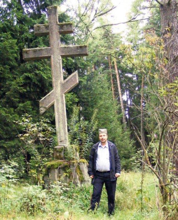 Dejan Ranđelović otkrio spomenik dok je brao pečurke
