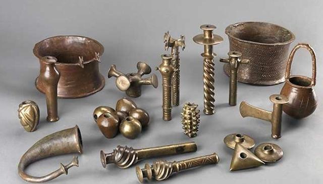 Predmeti od bronze i bakra pronađeni u pećini pored Mrtvog mora.