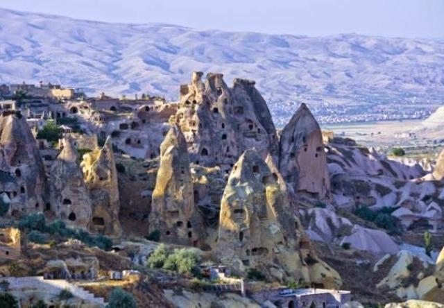 Neverovаtne pećinske kuće u Kаpаdokiji