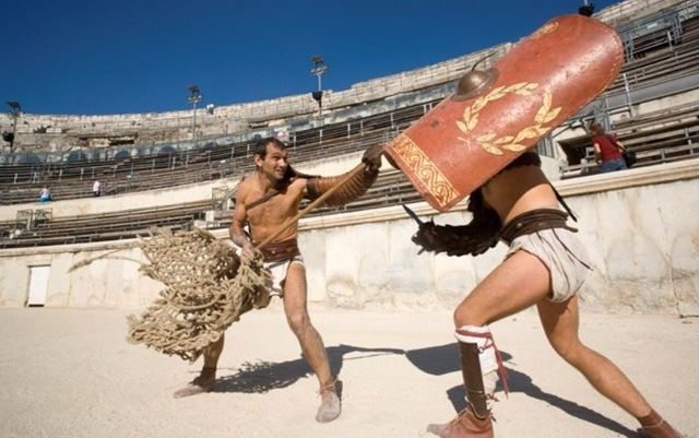 Savremena rekonstrukcija gladijatorskih borbi