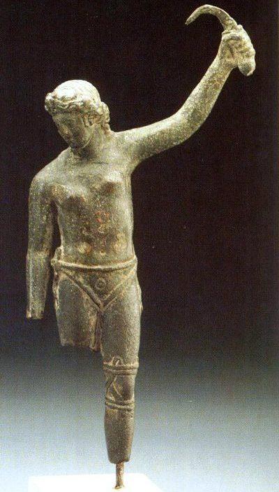 Antička skulptura Gladijatorke. Nedavno otkrivena(2012), bronzana skulptura, verovatno predstavlja rimsku gladijatorku. Ona je prikazana u pobedničkoj poziciji, a njen pogled je usmeren prema dole, verovatno prema protivniku.