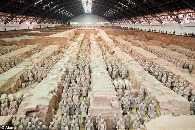 Ratnici čuvanju grob prvog kineskog cara Ćin Ši Huanga