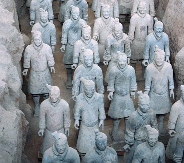 Ratnici od terakote je kolekcija od preko 7.000 skulptura vojnika i konja napravljenih od gline, nađena u grobnici prvog kineskog cara Ćin Ši Huanga