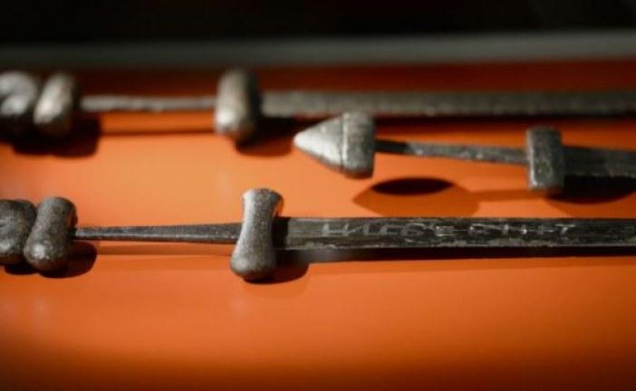 """Mač Vikinga """"Ulfberht"""" napravljen tehnologijom """"iz budućnosti"""": Bio je 1.000 godina ispred svog vremena"""