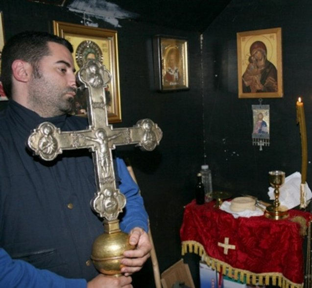 Krst Svetog Jovana Vladimira tokom službe na Rumiji.