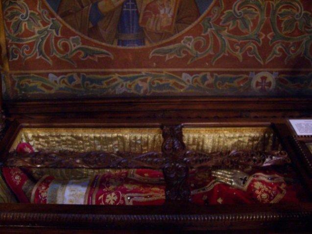 Mošti Svetog kralja Milutina u sofijskoj crkvi Svete nedelje.