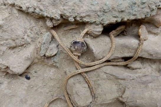 NEPROCENJIVO BLAGO Pronađen nakit i oružje stari 3.500 godina