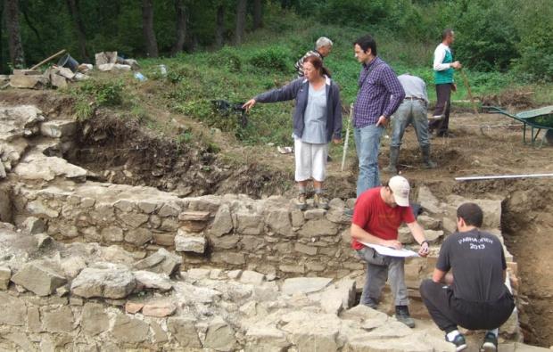 Dr Sofija Petković sa timom arheologa
