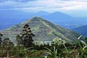 Da li se na ovoj padini skriva najstarija svetska piramida izgrađena pre 20.000 godina?(VIDEO)