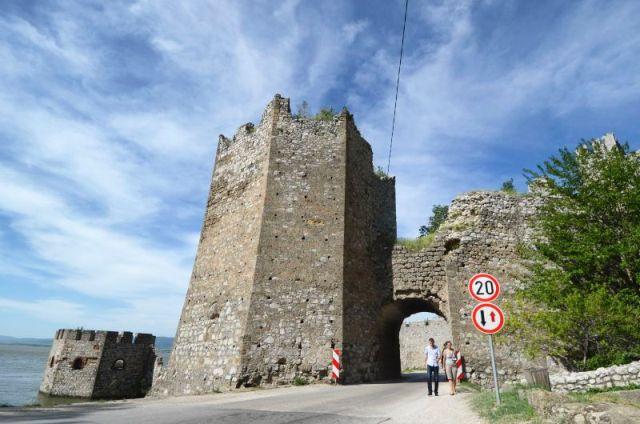 Donžon kula na srednjovekovnoj tvrđavi Golubac na Dunavu, Foto: Nebojša Mandić