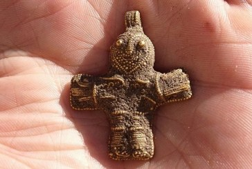 Drevni krst, koji je pronašao arheolog-amater, mogao bi da promeni hrišćansku istoriju Danske