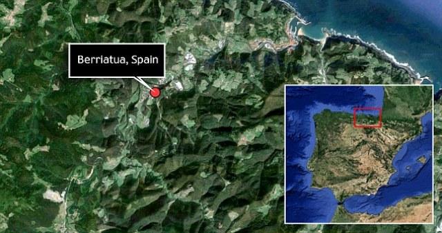 Pećina Atsura se nalazi nedaleko od sela Berijatua, 50 kilometara od baskijskog grada Bilbaoa.
