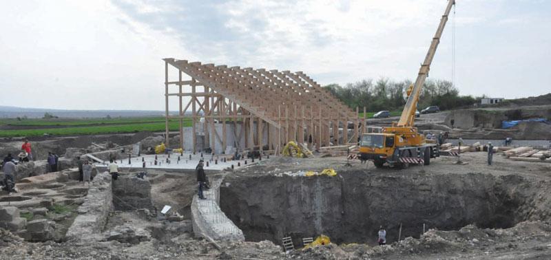 Izgradnja velikog amfiteatra u kome će biti održana svečanost