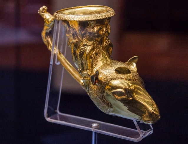 Trački zlatni riton, glava ovna, obredni predmet