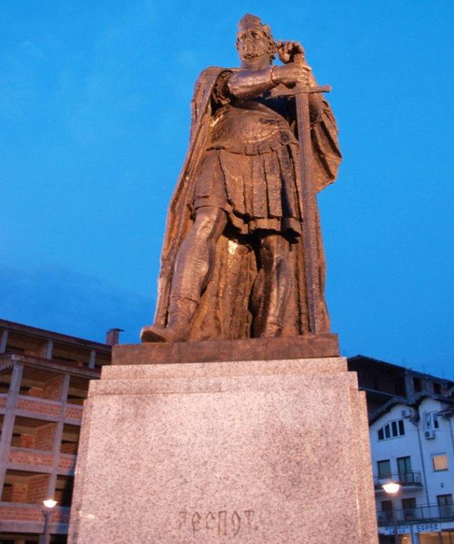 Spomenik despotu Stefanu u Despotovcu.