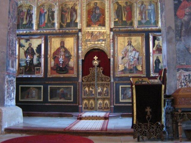 Ikonostas manastira Krušedol.