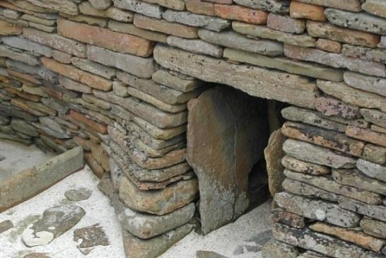 Farmer je 1850. slučajno otkrilo ova skrivena vrata. Ono što je video unutra je ostavilo CEO svet u šoku već skoro 2 čitava veka!