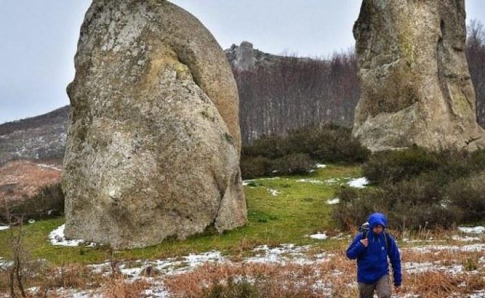 """Grupa arheologa amatera otkrila """"sicilijanski Stounhendž"""" (video)"""